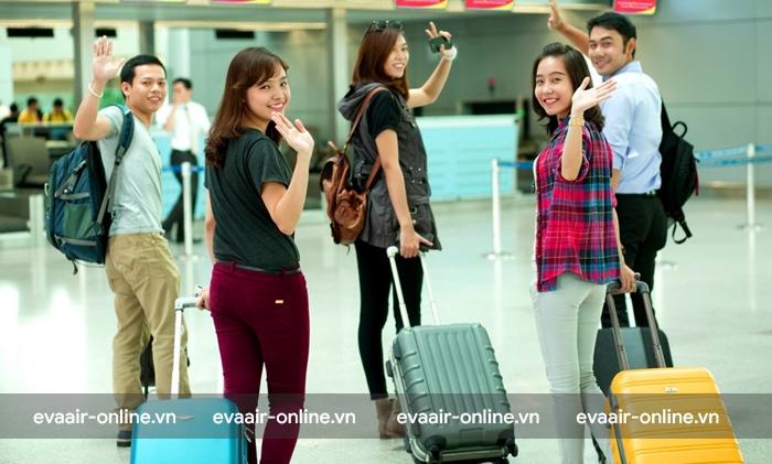Mỗi giao dịch vé sinh viên được tối đa 9 hành khách.