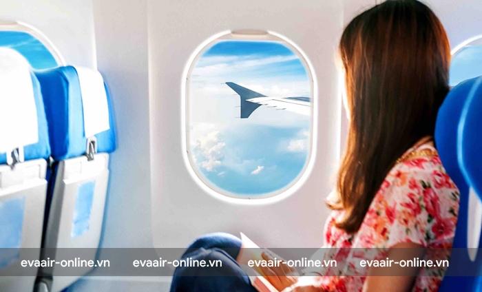 Nên lựa chọn chỗ ngồi gần cánh của máy bay