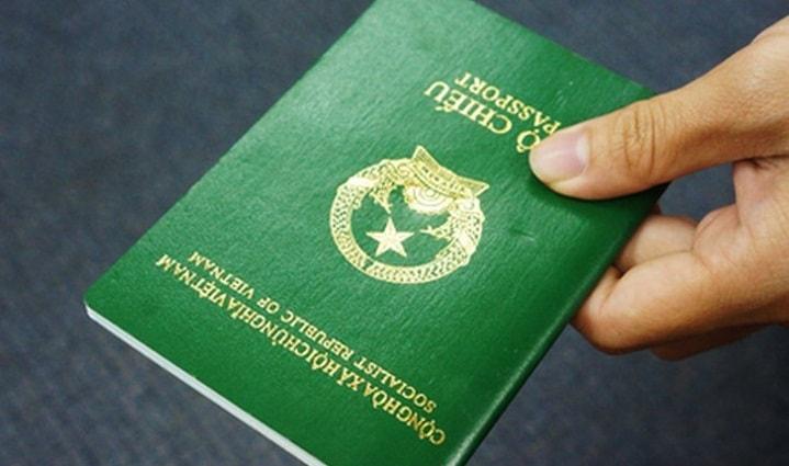Chuẩn bị hộ chiếu và các loại giấy tờ khác