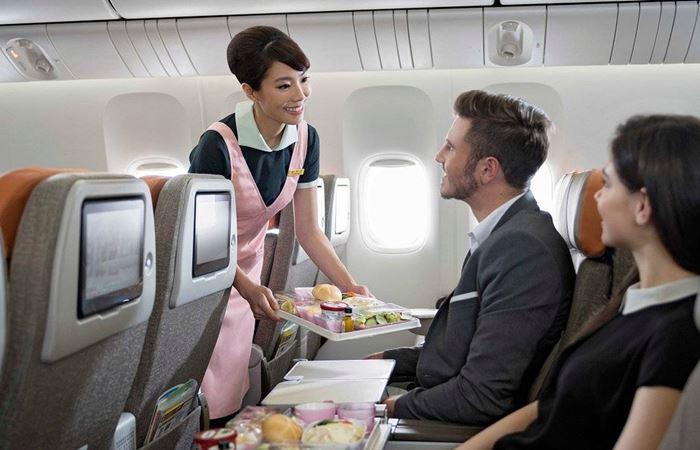 Đặt trước thực đơn khi đi máy bay nếu dị ứng với các loại đậu